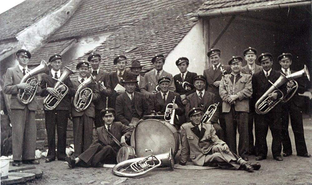 kapellemandlburger-1952